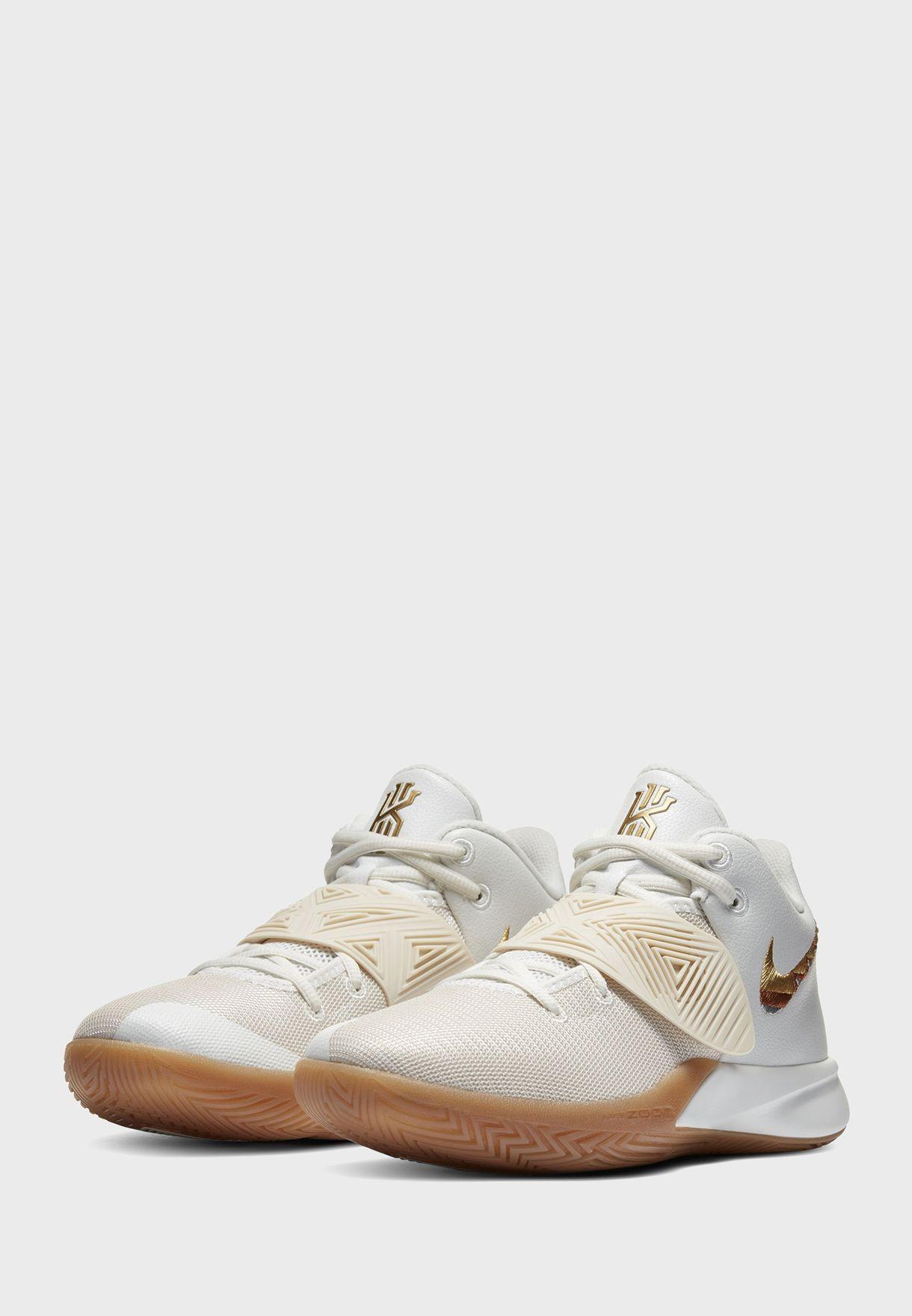 حذاء كيري فلاي تراب III