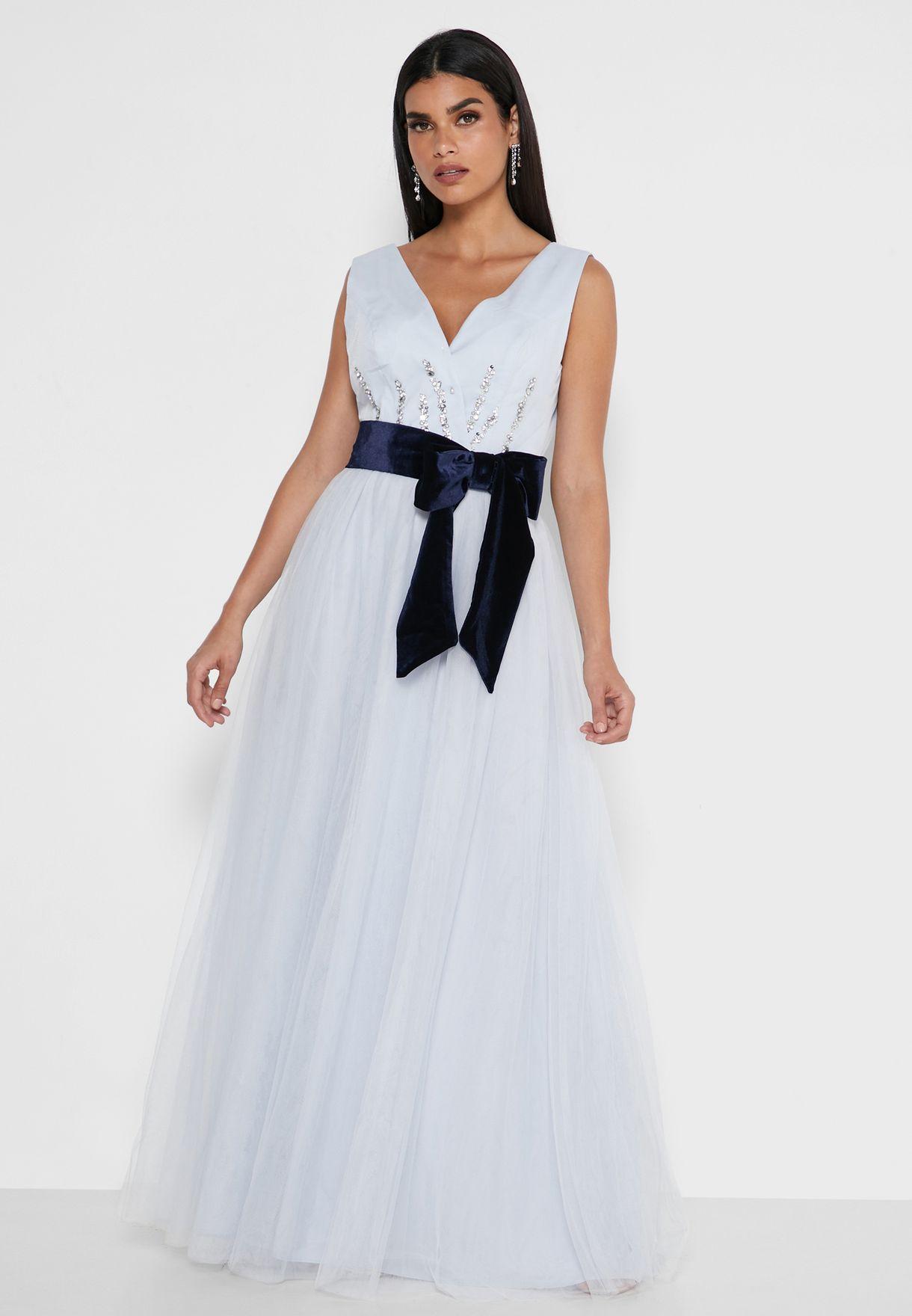 فستان مزين باحجار الراين