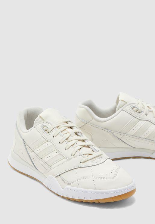 حذاء ايه.ار. ترينر