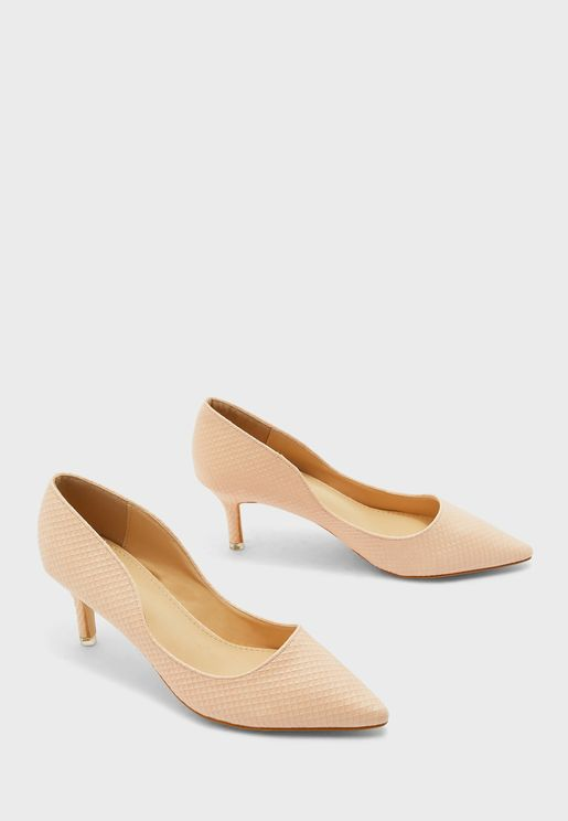 Textured Pointed Pumps