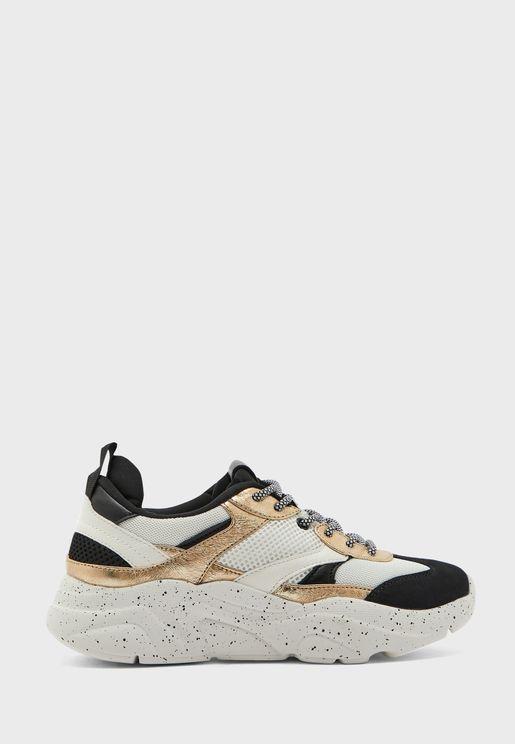 Sanna Low Top Sneaker
