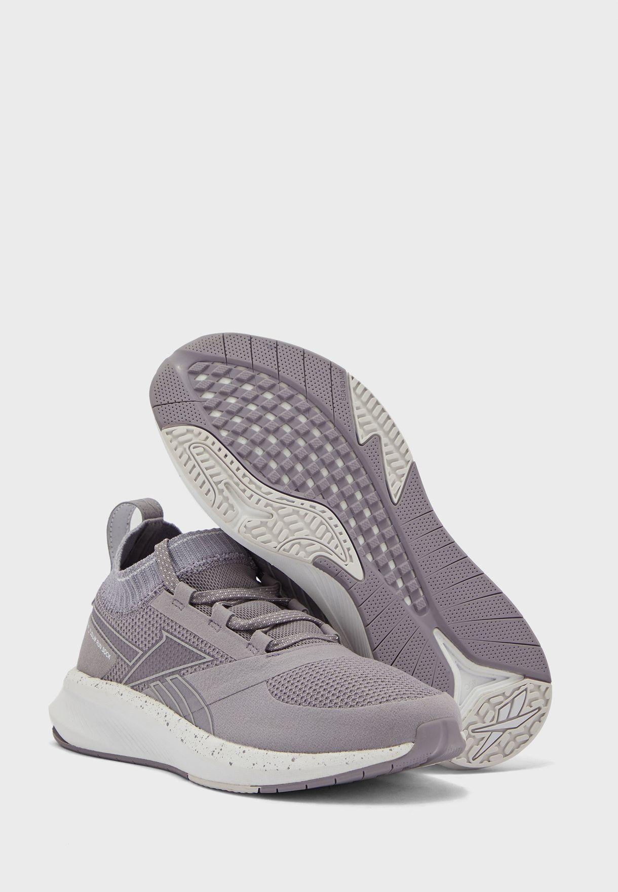 حذاء فيوزيم رن 20 اس