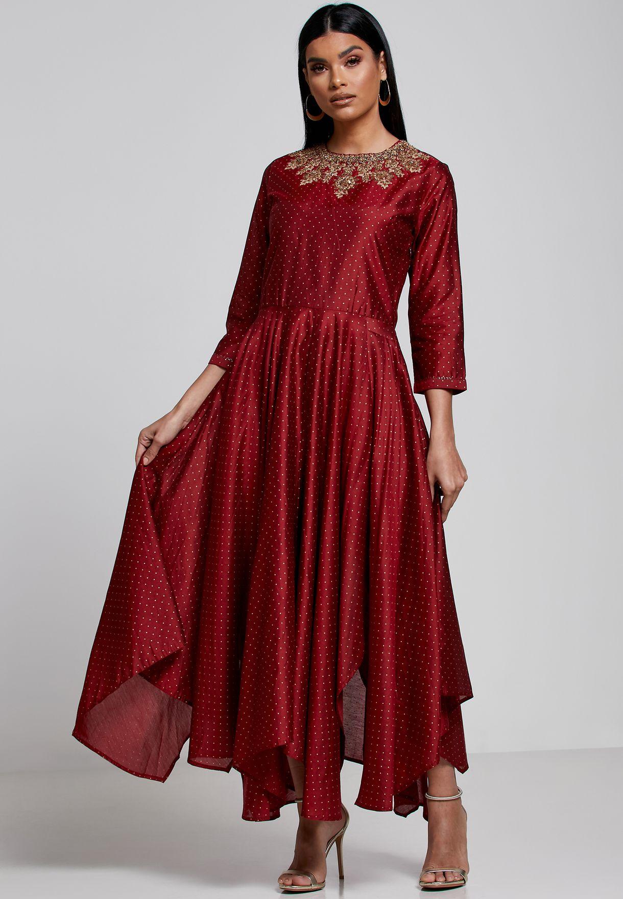 فستان مطبع مزين بخرز