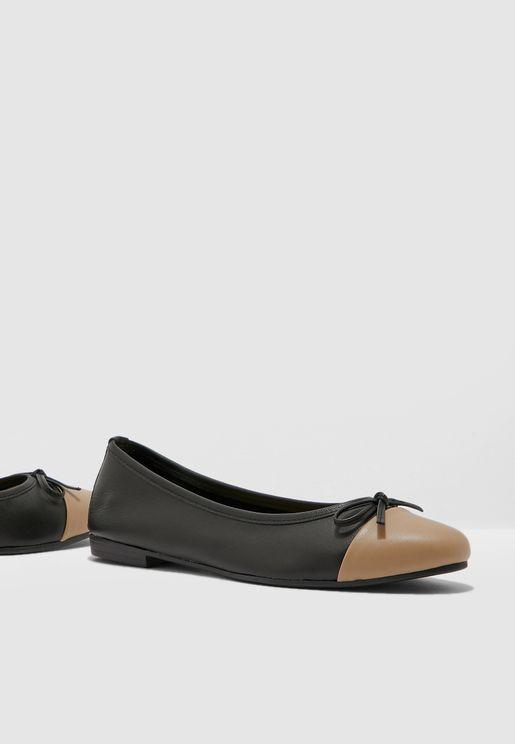 حذاء من لونين