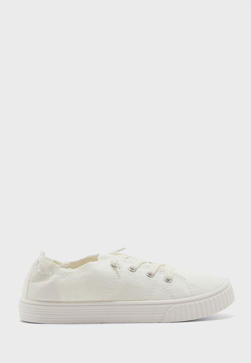 Marisa Low-Top Sneaker