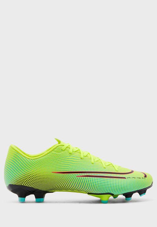 حذاء  من مجموعة نايك ميركوريال