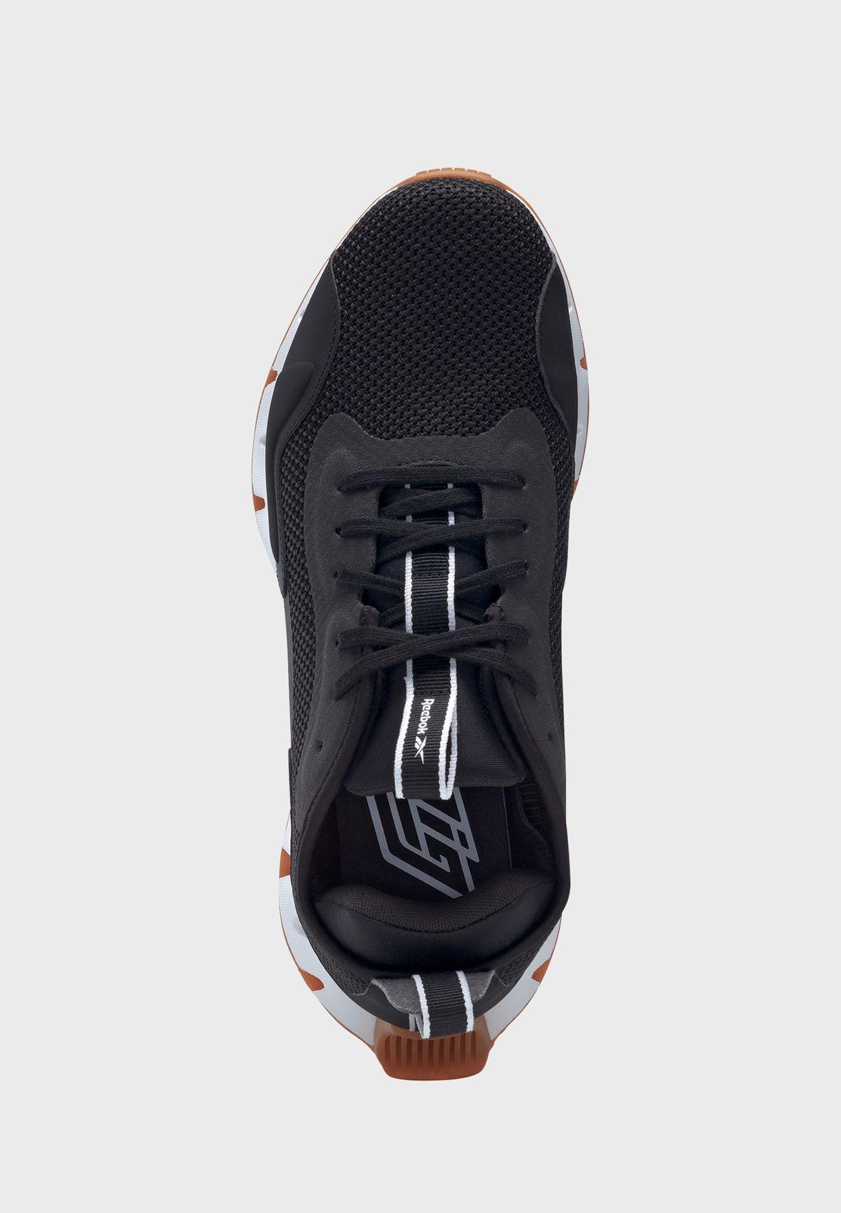 حذاء زيج ديناميكيا