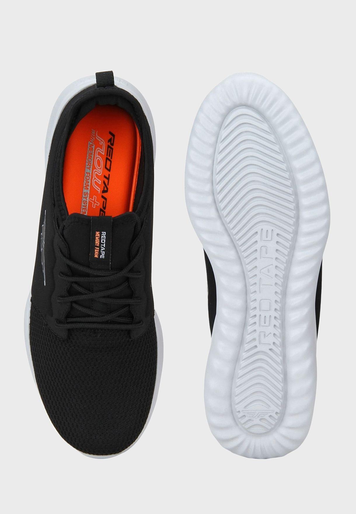 حذاء سنيكرزمحبوك