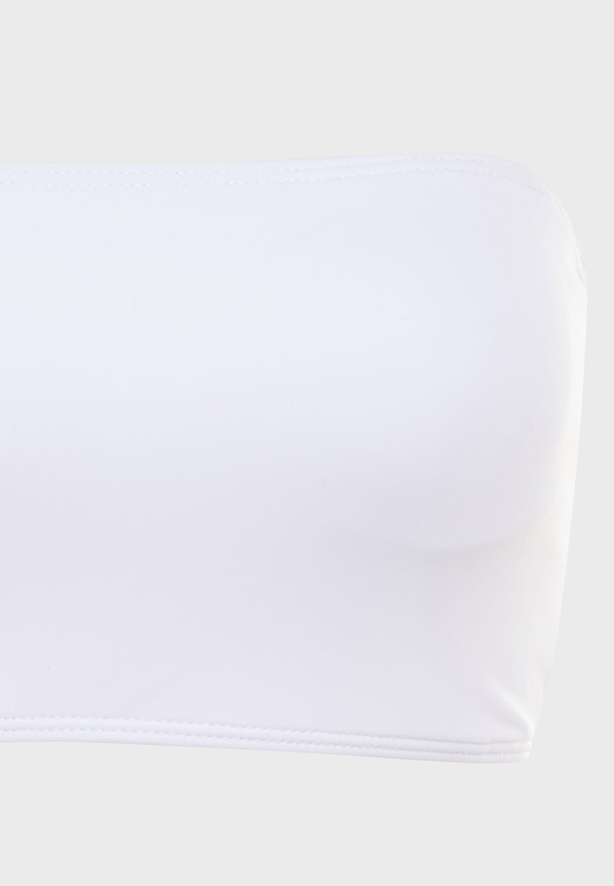 صدرية بيكيني باكتاف مكشوفة