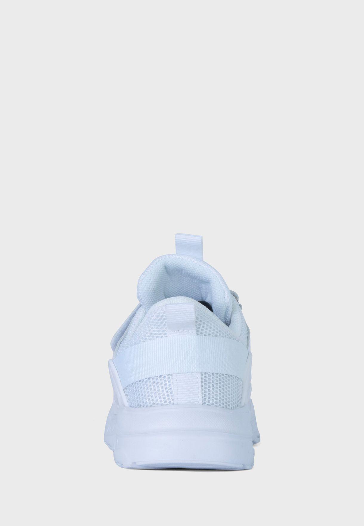 حذاء سنيكرز أوستن