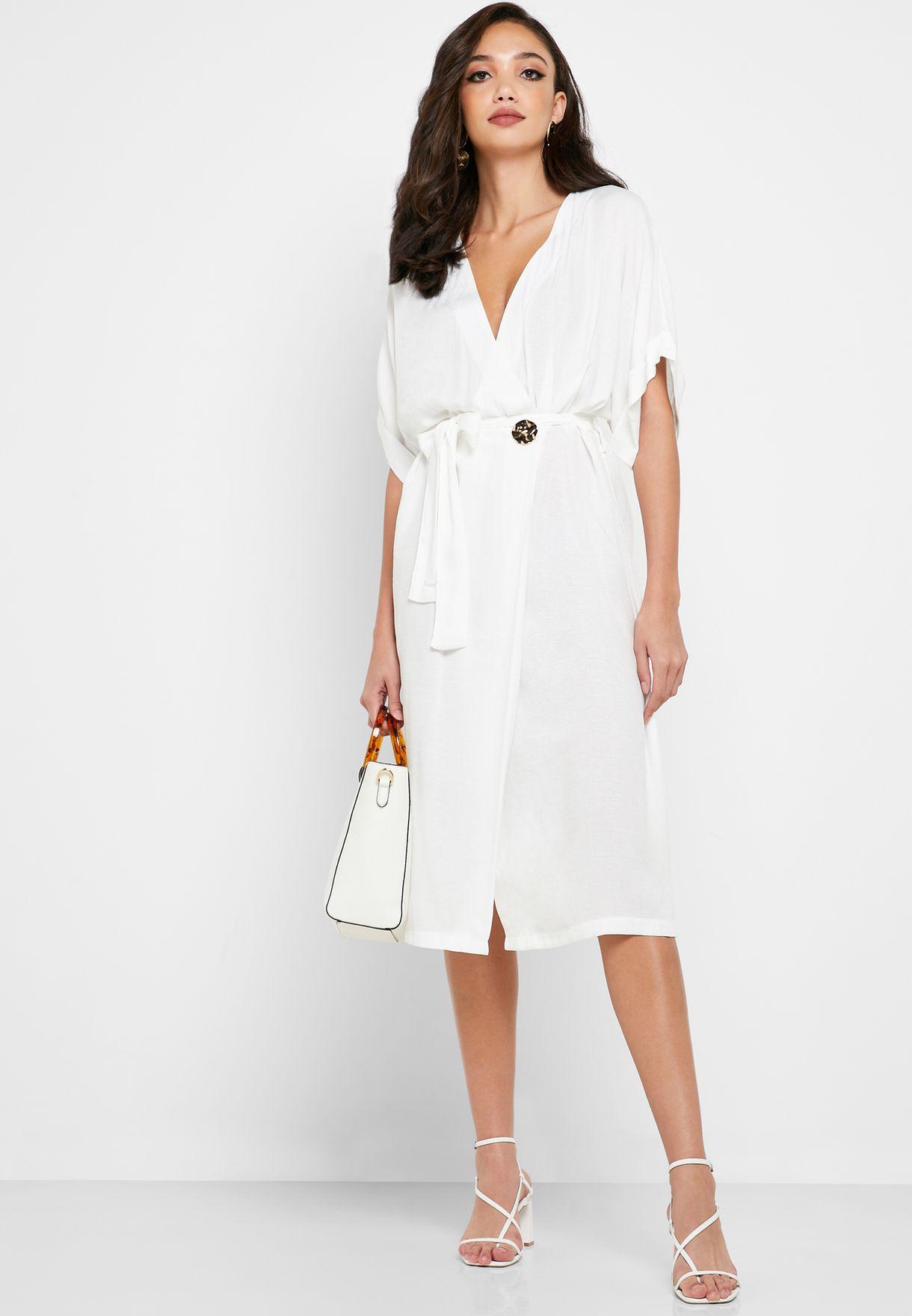 فستان بنمط لف مع اربطة