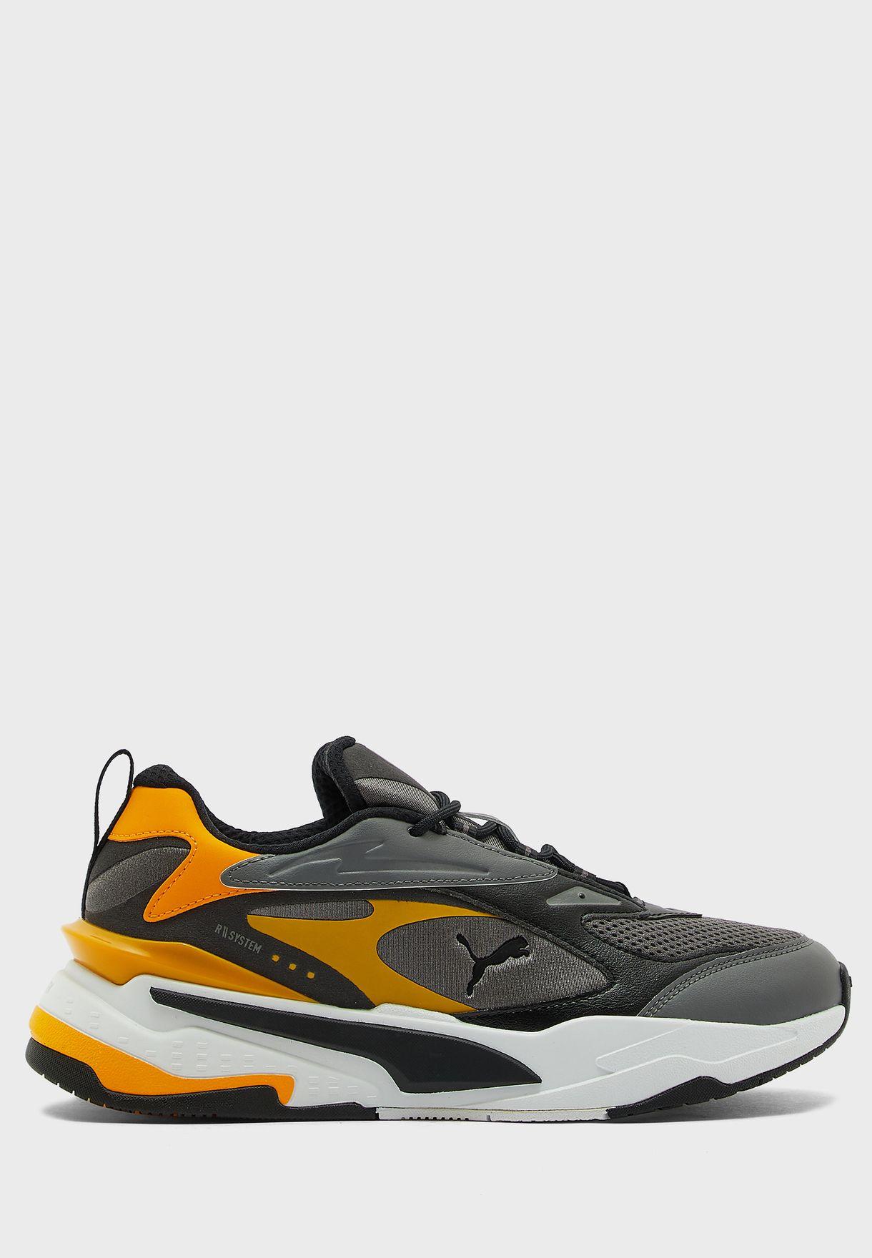 حذاء ار -اس فاست