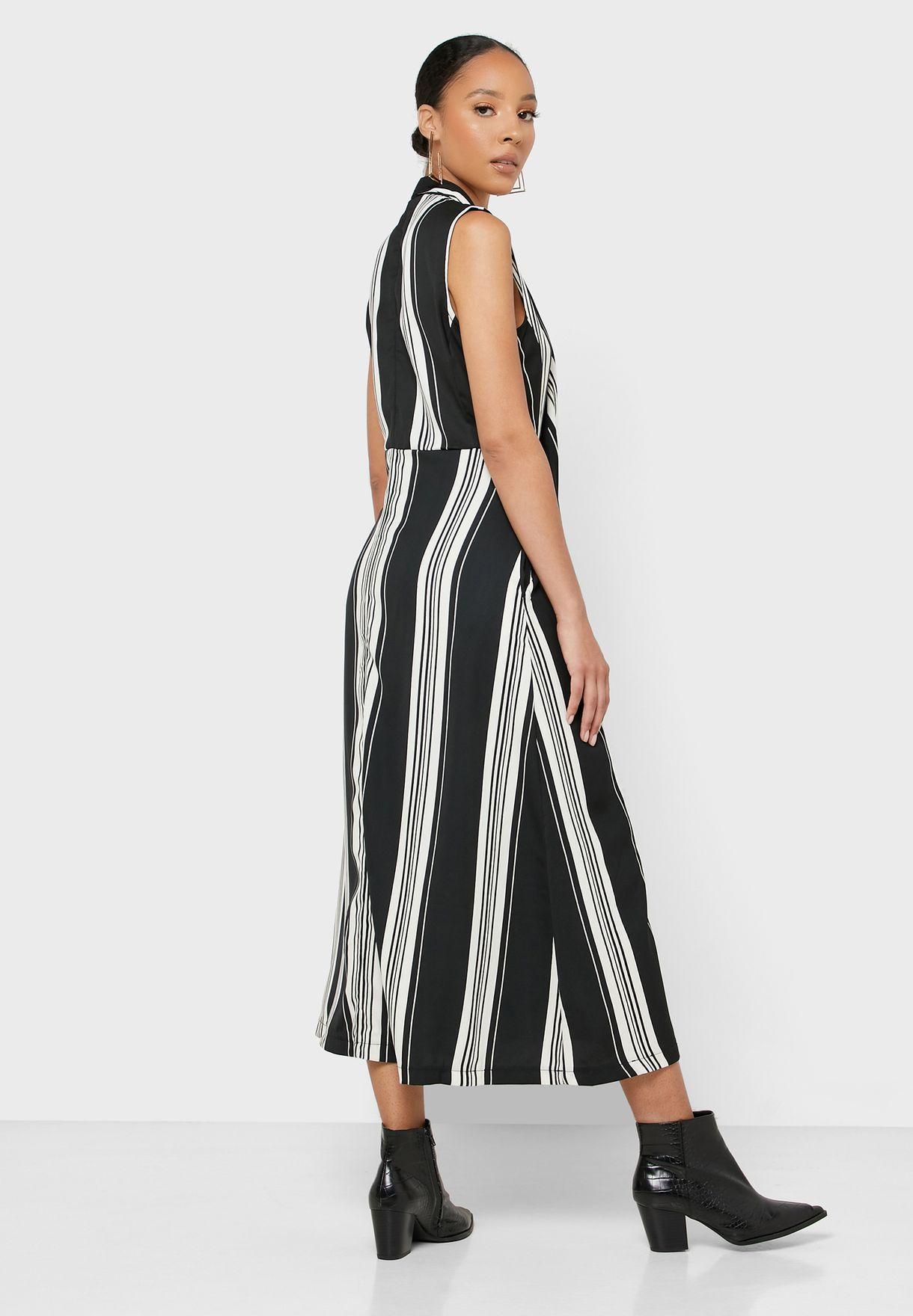 فستان بطبعات حطوط