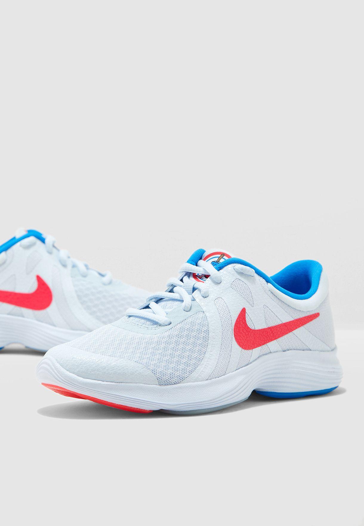 Nike grey Youth Revolution 4 Heat CHK