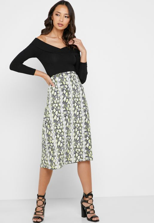 Snake Print Buckle Detail Skirt