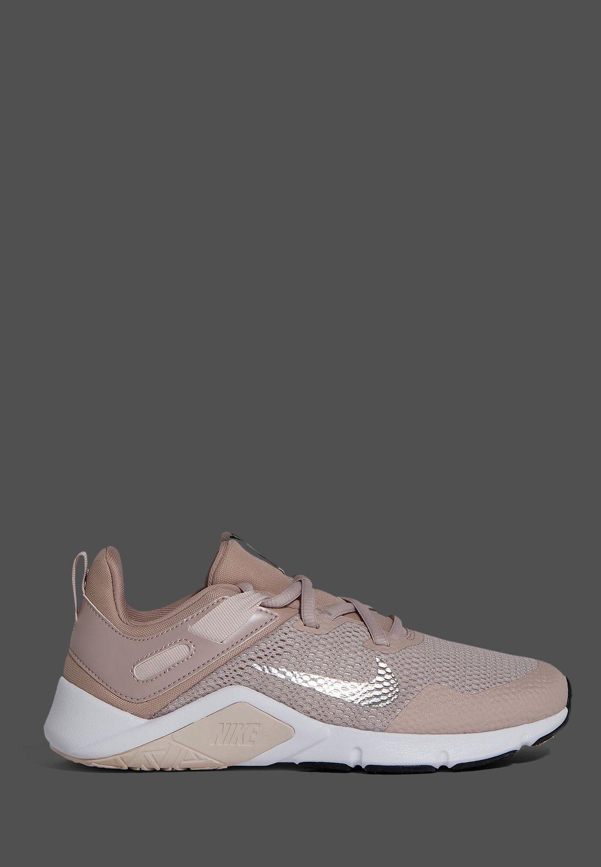 حذاء ليجند اسينشيال