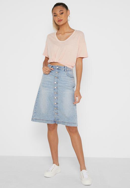 تنورة ميني جينز