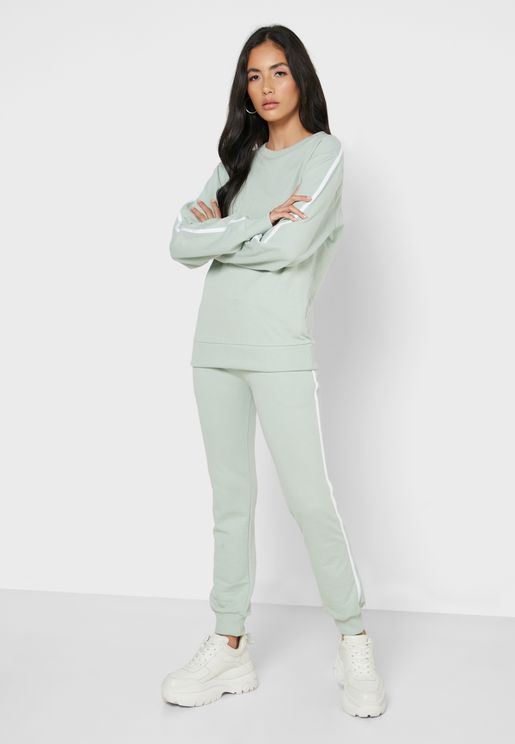 Contrast Side Paneled Sweatshirt Joggers Set