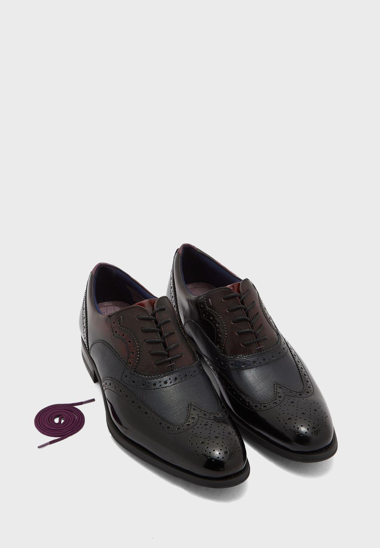 حذاء موكتي باربطة