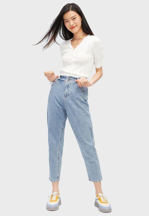 جينز بخصر عالي