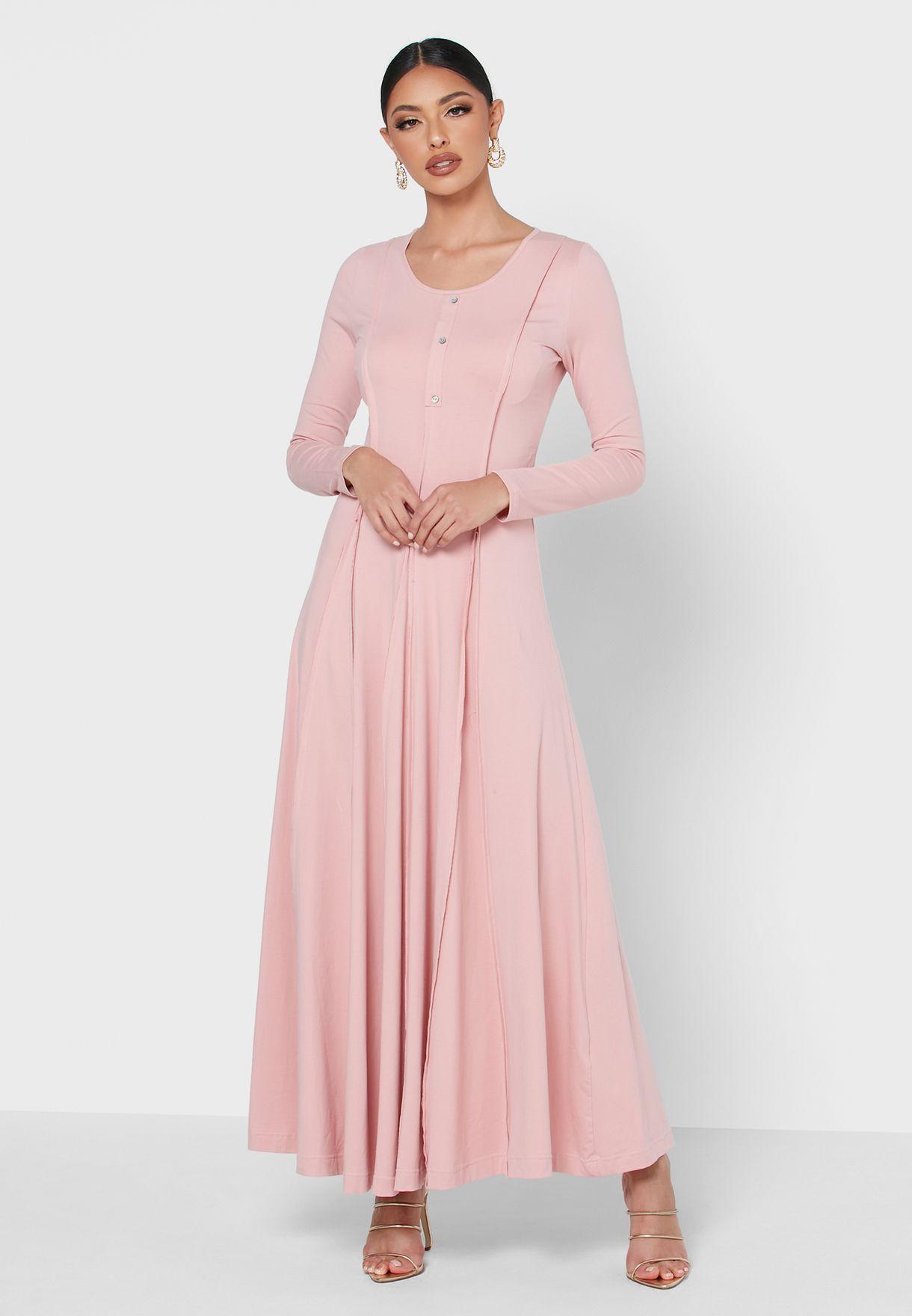 فستان ناعم بأزرار