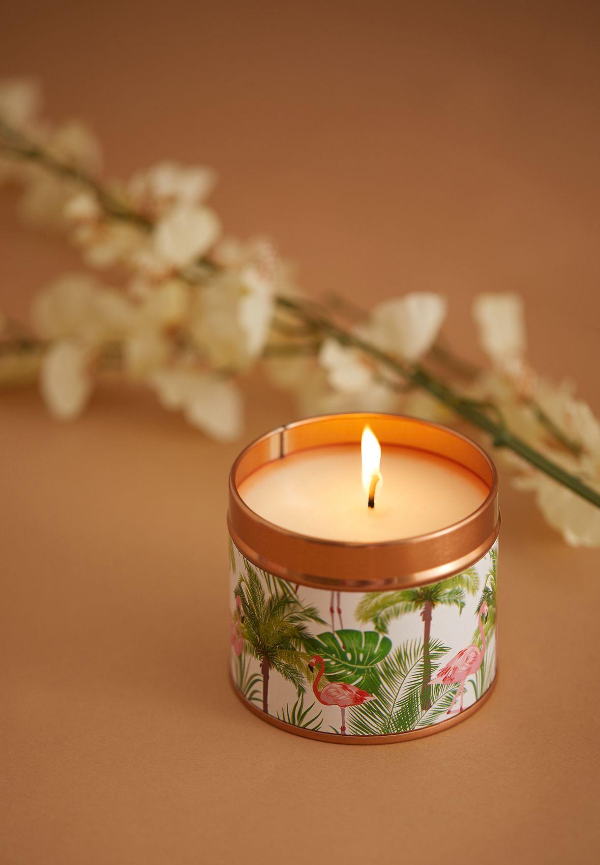 شمعة برائحة ازهار جوز الهند