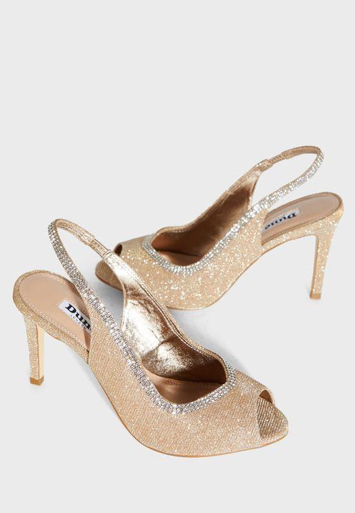 حذاء بخيوط ميتاليك