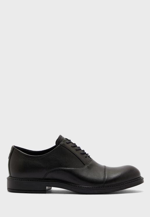 Classic Formal Lace Up