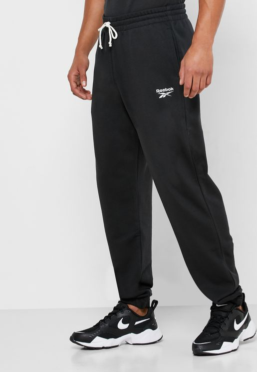 Training Essential Cuffed Sweatpants