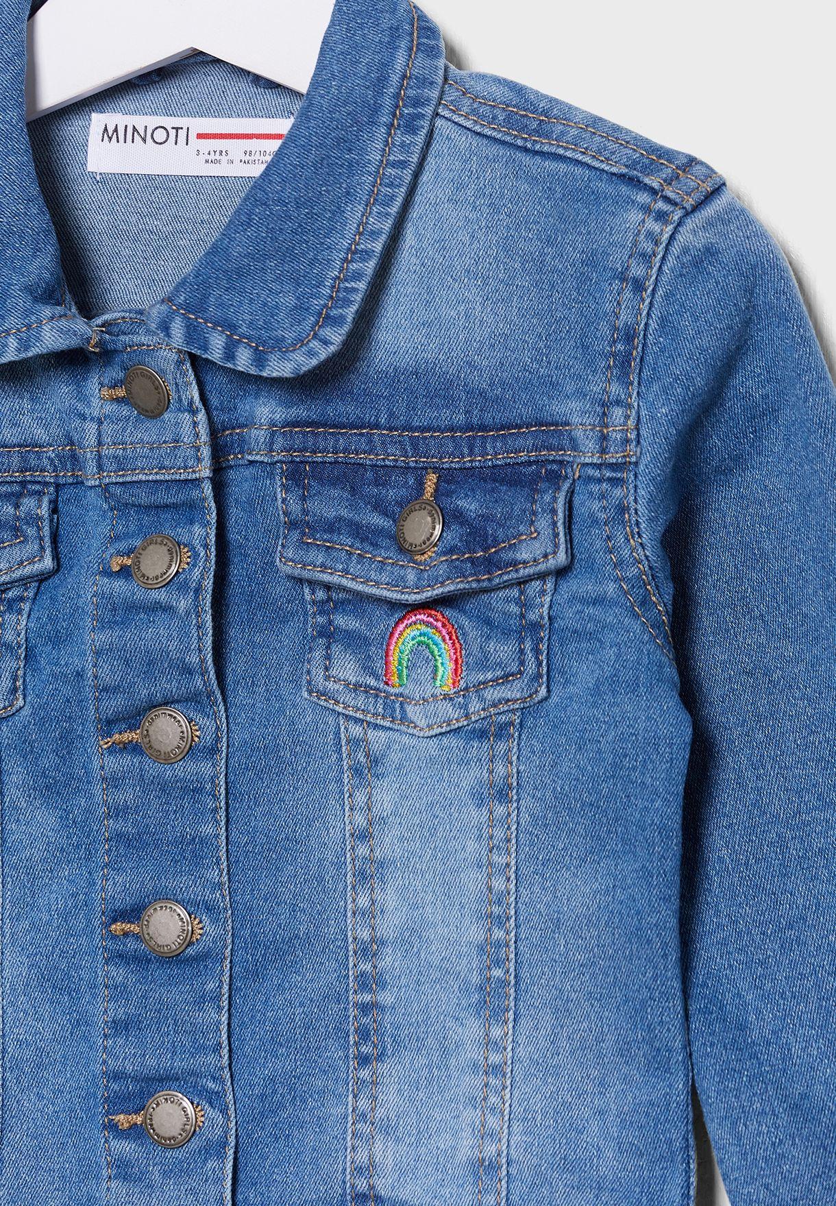 جاكيت جينز مزين بتطريزة