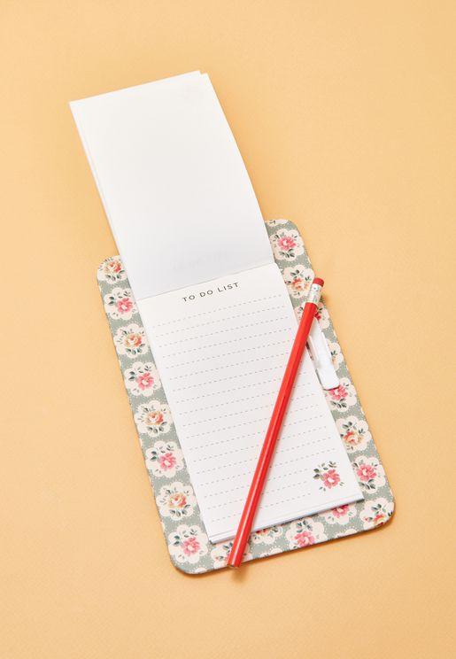 دفتر لتدوين قائمة المهام وقلم ولوح