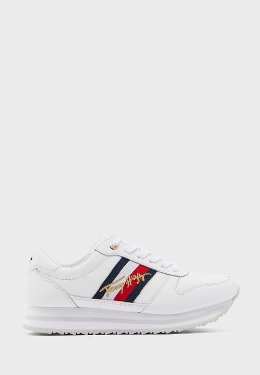 Signature Runner Low Top Sneaker