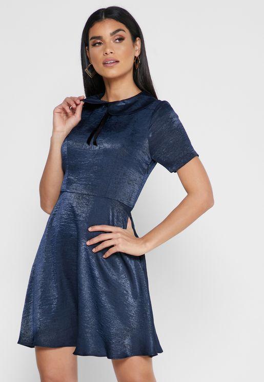 فستان بياقة بيتر بان