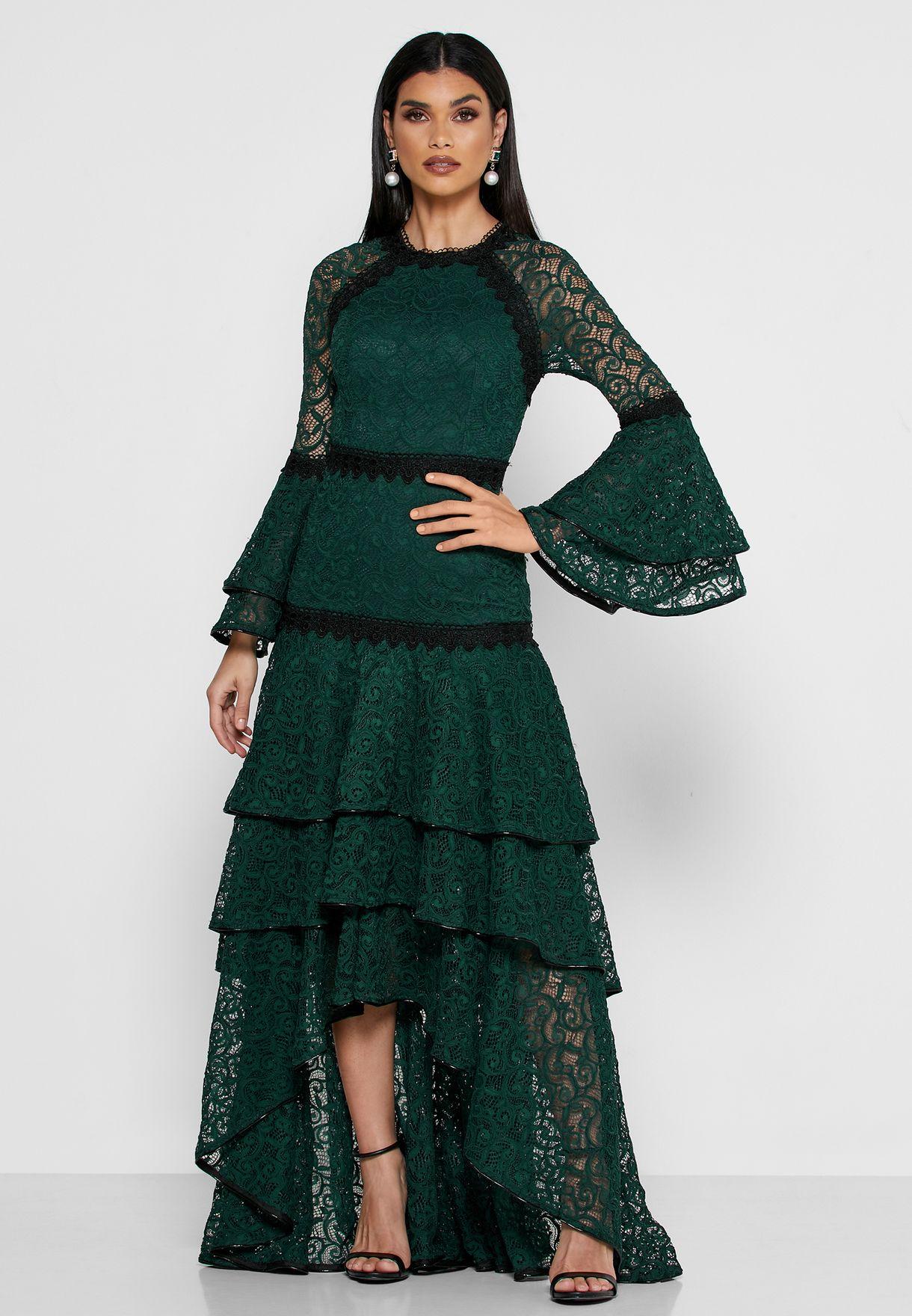 فستان دانتيل بطبقات