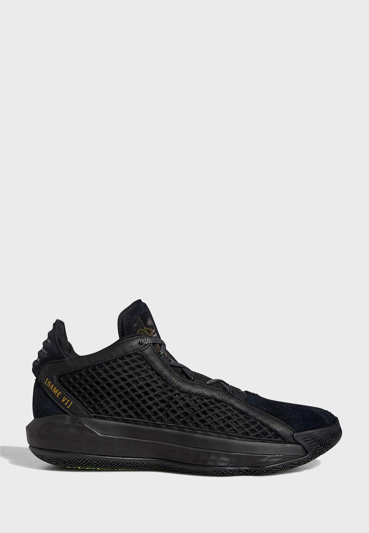حذاء من مجموعة ليلارد