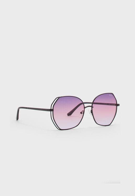 نظارة شمسية مع حماية من الشمس