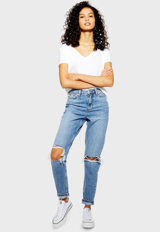 جينز مام مزين بشقوق
