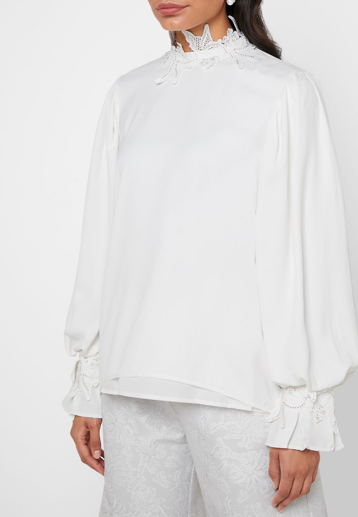 Lace Detail Puff Sleeve Top