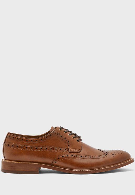 حذاء رسميباربطة
