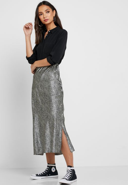 b451bab1ce1 Side Split Leopard Print Satin Skirt