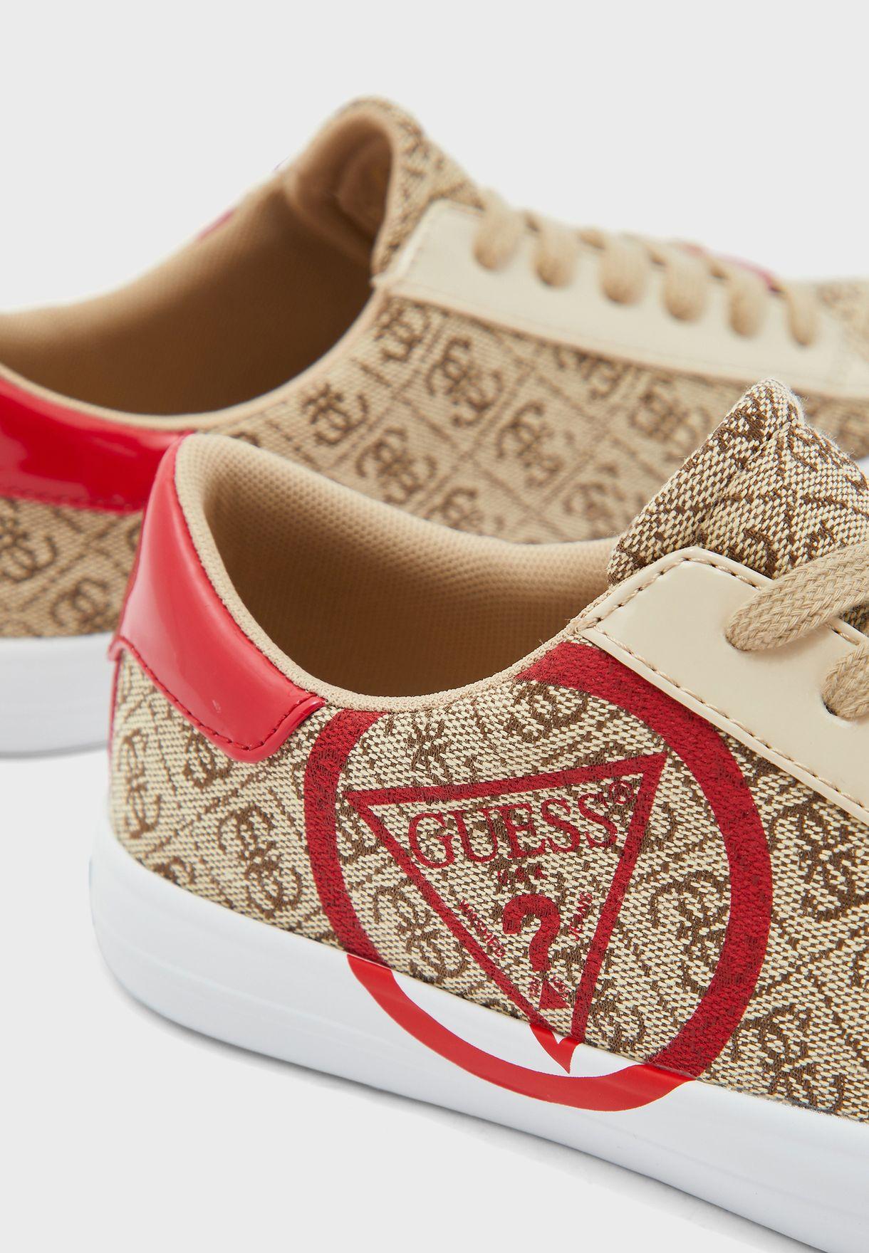 Garit Low Top Sneakers