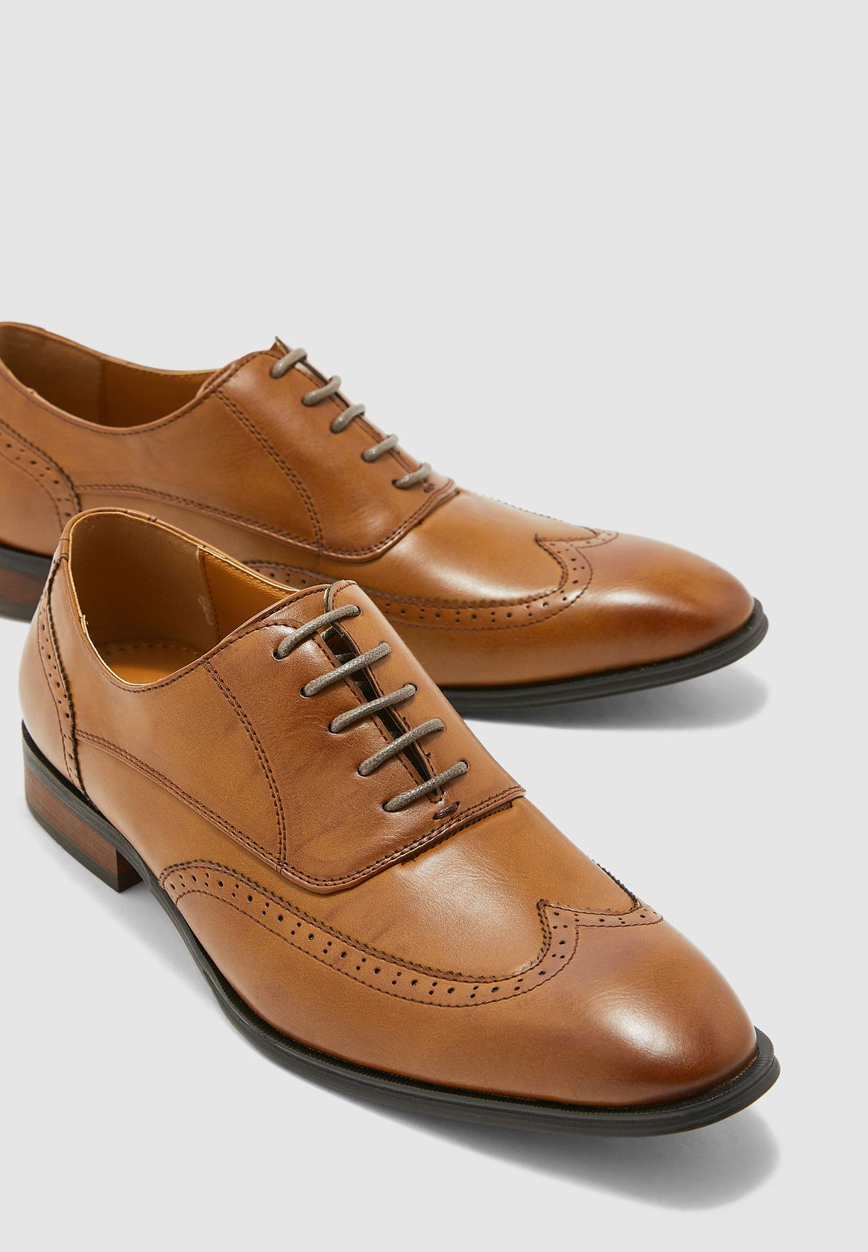 Wing Cap Classic Brogue Oxford