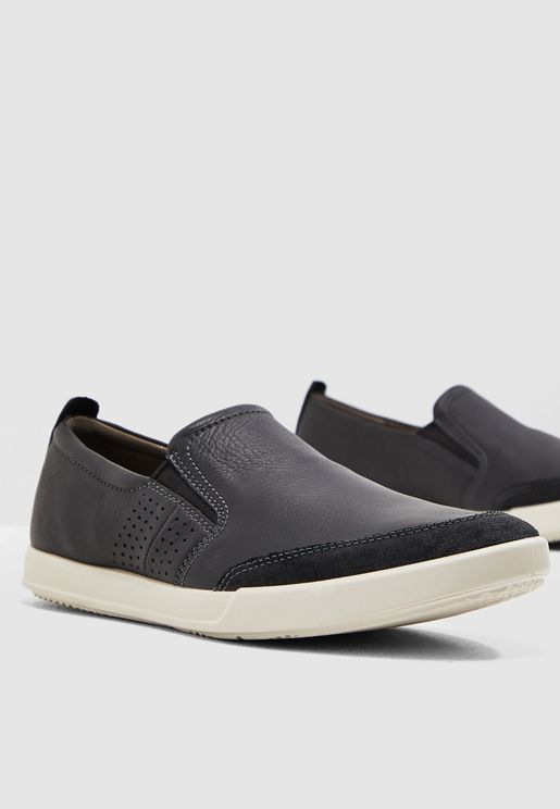 حذاء كولين 2.0 سهل الارتداء
