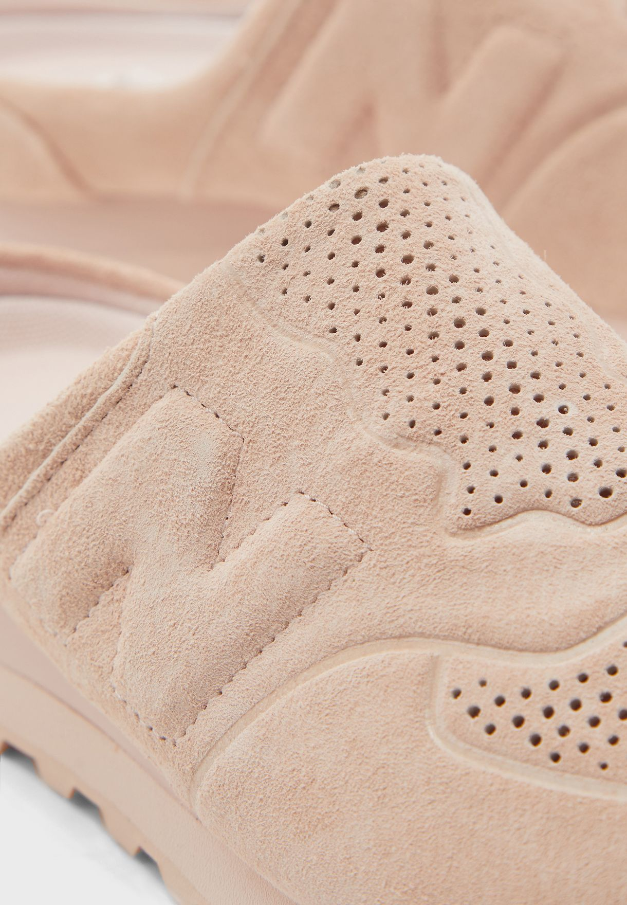 حذاء 5740