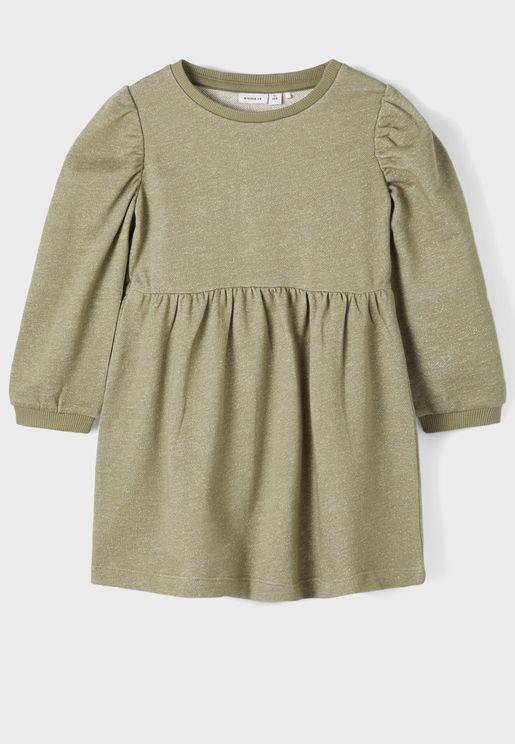 فستان مزين بطيات