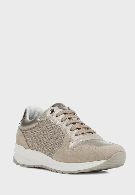 Airell Low Top Sneaker