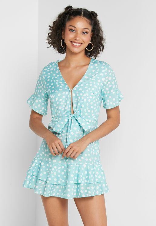 فستان باربطة في الامام