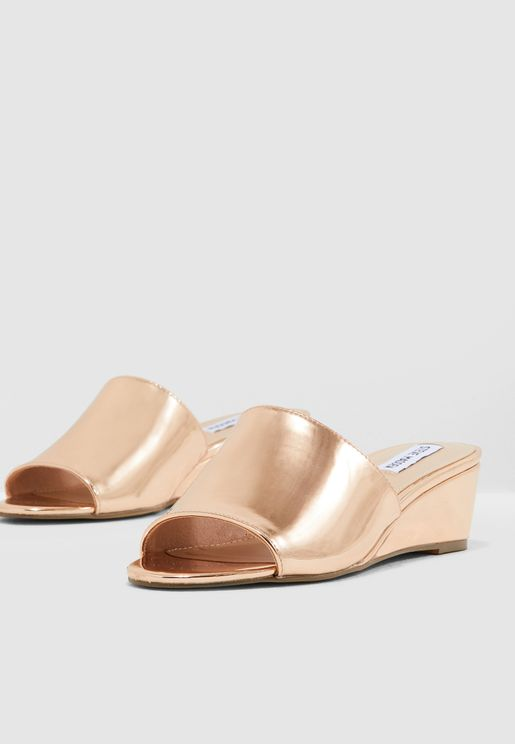 Loft Wedge Sandal - Gold