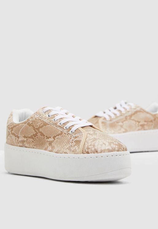AC Flatform Sneaker