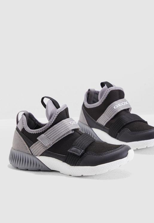 9d7123ad1c5 Youth Sveth Sneaker